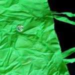 Tragetasche mit Button zur Porphyria Awareness Week